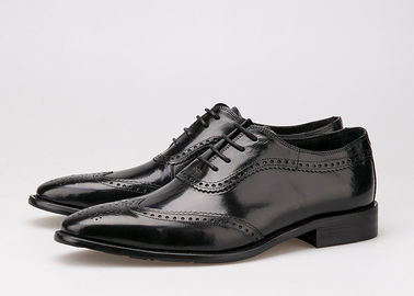 चीन Black Men Business Casual Shoes , Carved Oxfords Leather Lace Up Brogue Shoes आपूर्तिकर्ता